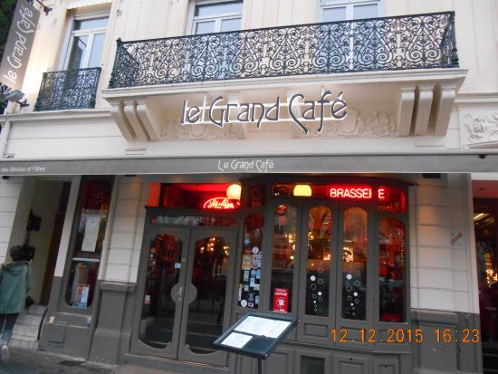 devanture picture of le grand cafe reims tripadvisor. Black Bedroom Furniture Sets. Home Design Ideas