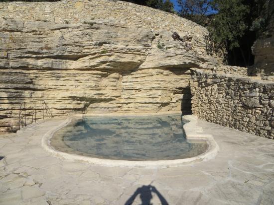 La Roque sur Pernes, França: La piscine