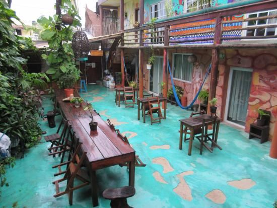 Mama's Home: Hostel courtyard