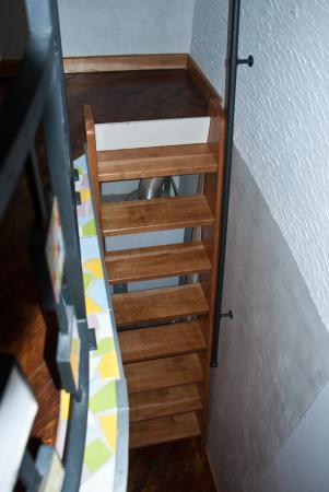 Residence Casa Italia: Лестница в спальню