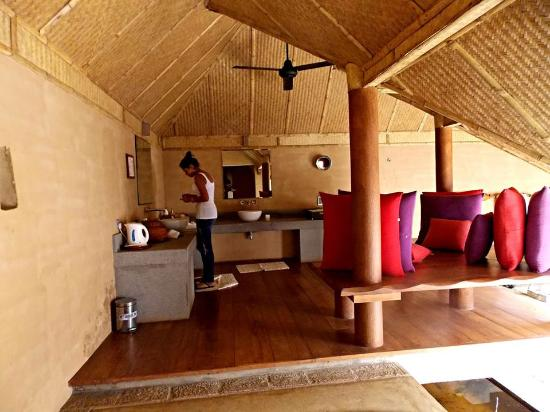 Jetwing Vil Uyana: bagno piano terra aperto