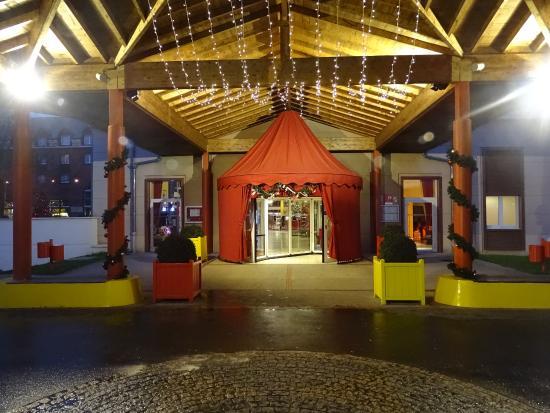 Kamer Foto Van Vienna House Magic Circus Paris Magny Le