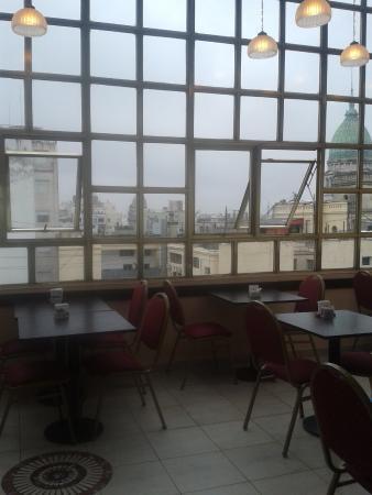 America Plaza Hotel: área de desayuno
