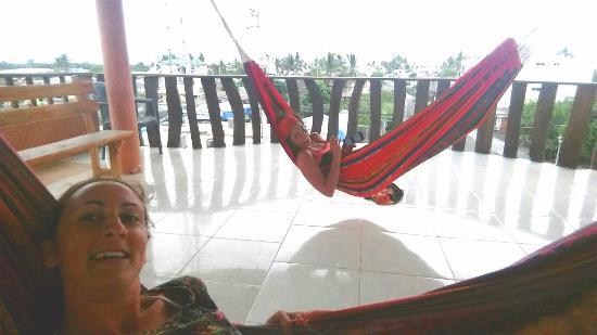 Hotel Sandrita: balcon terraza con hamacas, encantador