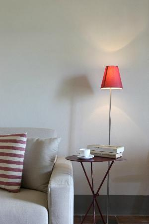 Podere Cantagrillo: Lamp in the apartment