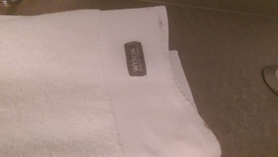 Westin Portland: Disgusting towels in the bathroom