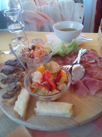 Dessert con Vin Santo. - Picture of Ristorante Alto Savio, San Piero ...