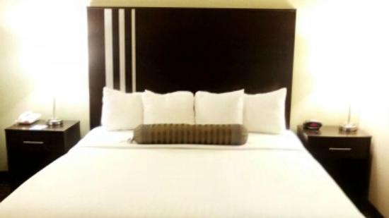 Chesterton, IN: King Bed