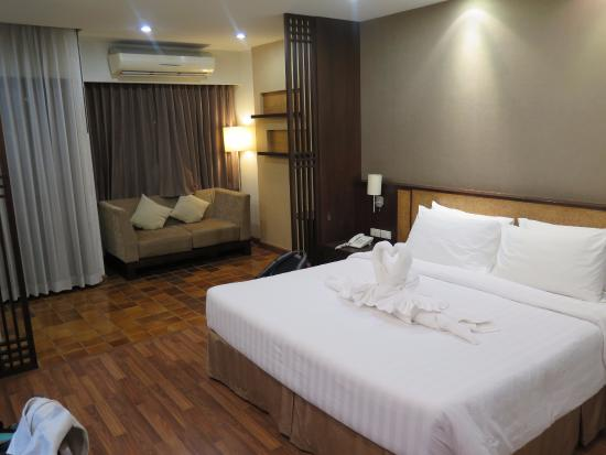 The Grand Napat: room