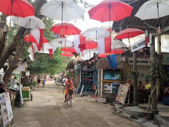 Villa Almarik Resort Lombok: Gili street