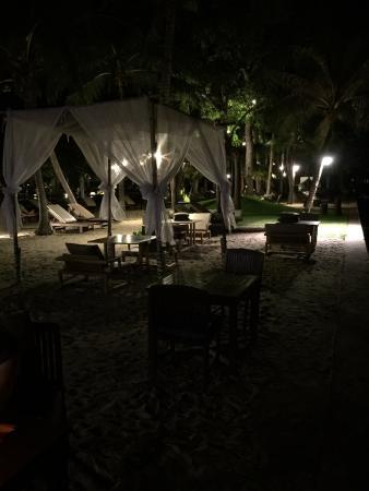 Asara Villa & Suite: s-avonds op het strand