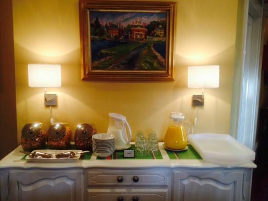 Marblehead Inn: Breakfast (partial)
