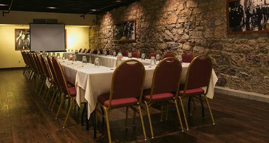 DeSoto House Hotel: Meetings & Banquets