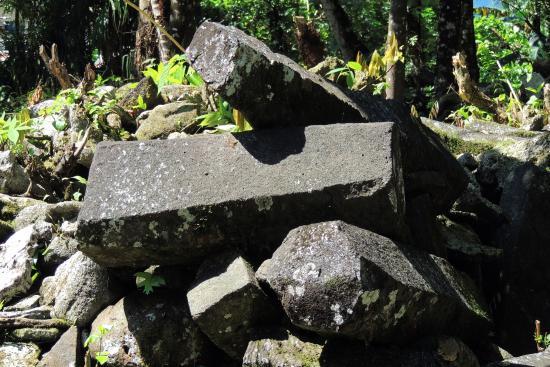 Lelu Island: Lelu Ruins.