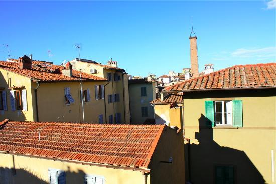 Hotel Loggiato dei Serviti: View from 3rd floor Annex bldg