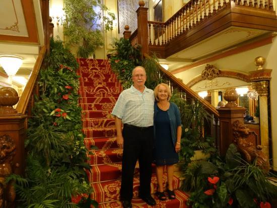 Regina Palace : Grand Staircase