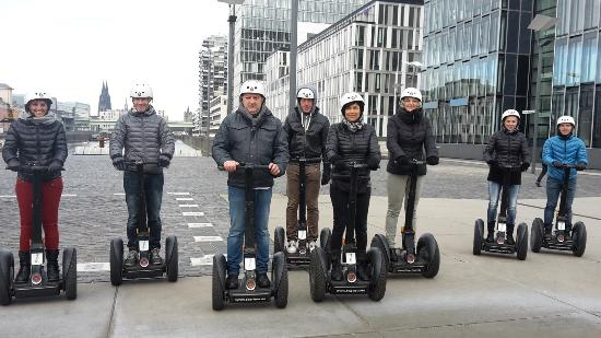 segway tour k ln foto van segway tour cologne keulen. Black Bedroom Furniture Sets. Home Design Ideas