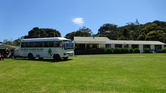 Go Great Barrier Island - Day Tours: Settling us into our destination at Great Barrier Lodge, Whangaparapara