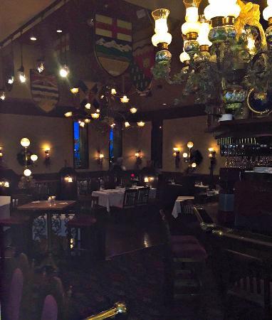 Olde School Restaurant: The interior