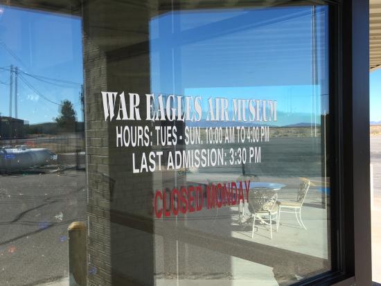 Santa Teresa, NM: Hours of operation.