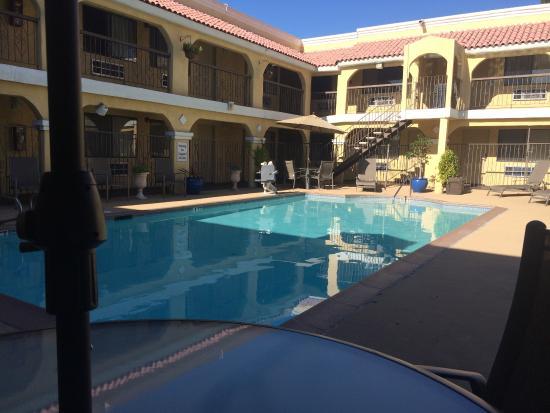 Econo Lodge Inn & Suites El Cajon San Diego East: very nice clean pool