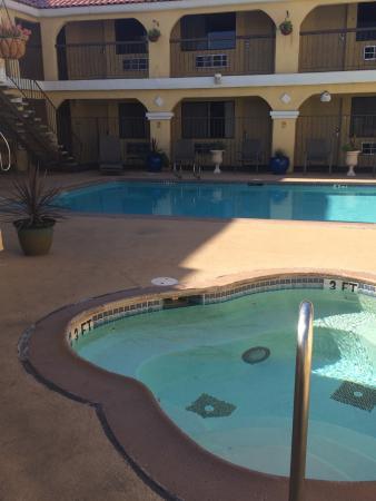 Econo Lodge Inn & Suites El Cajon San Diego East: nice hot spa