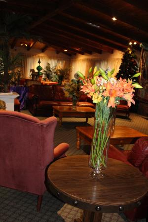 Old Orchard Inn & Spa: Fireside Lounge