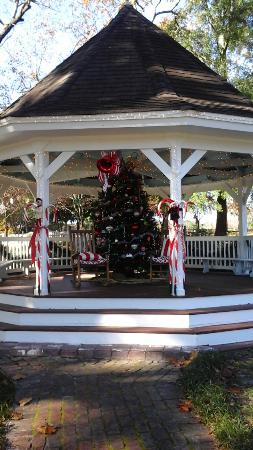 Poplar Grove Plantation: Holiday Gazebo, 2015