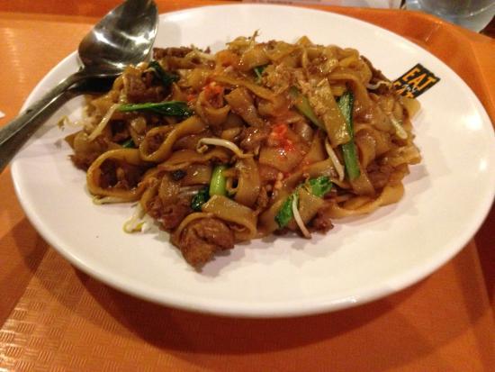 Kwetiau Goreng Ayam Picture Of Eat Eat Gandaria Jakarta Tripadvisor