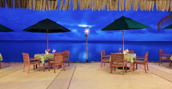 Остров Тоберуа, Фиджи: Beachfront Dining