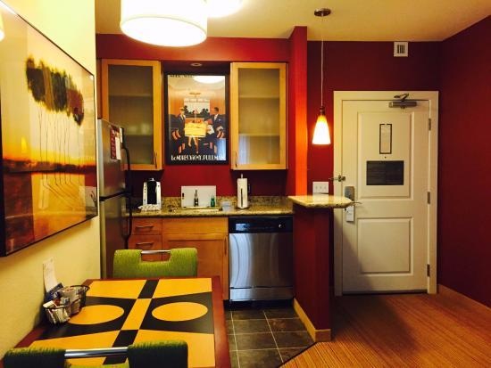Residence Inn Arlington Courthouse: キッチンも綺麗でした