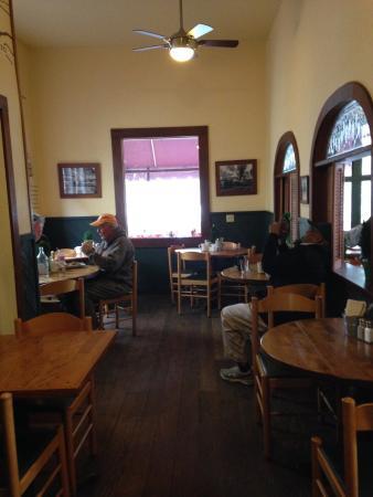 Howard's Cafe Bakery & Juice Bar: photo0.jpg