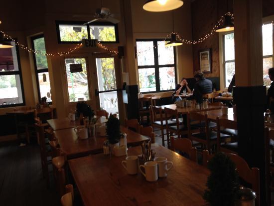 Howard's Cafe Bakery & Juice Bar: photo1.jpg