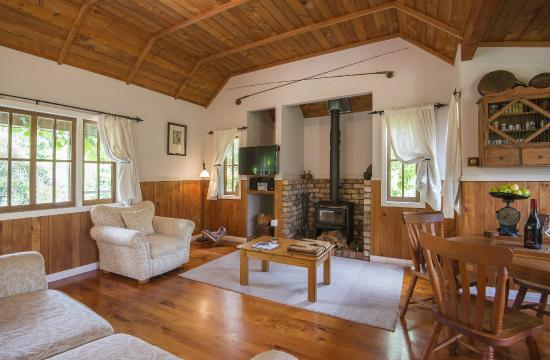 Vineyard Cottages : Lounge and Dining