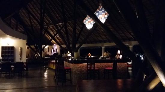 Tola, Nicaragua: Lindo diseño y decoración del restaurante