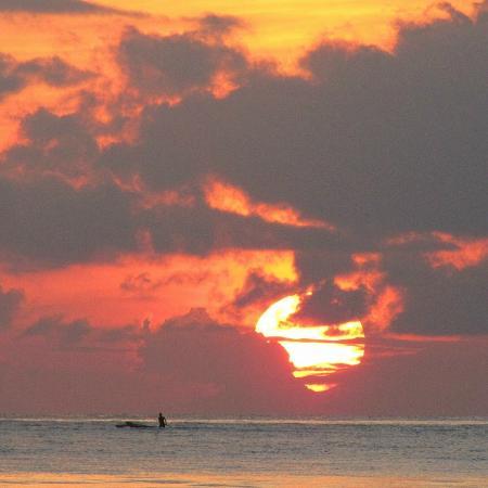 Kimte Beach Inn: plage