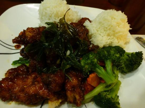 Mae Phim Thai Restaurant  E6 96 99 E7 90 86