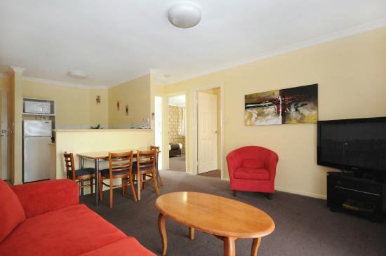 Great Divide Motor Inn: 2 Bedroom Balcony Unit