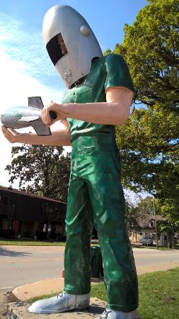 Wilmington, IL: Green giant