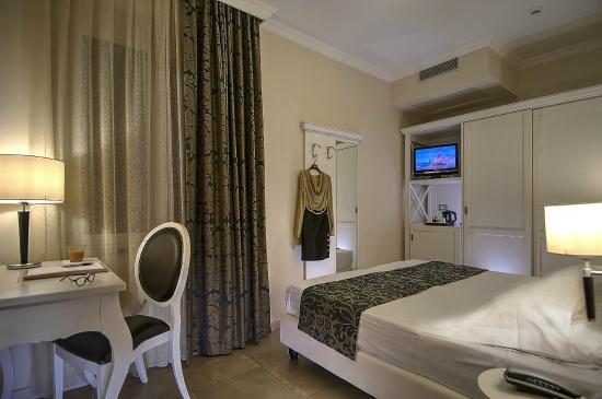 Hotel Excelsior le Terrazze (Garda, Lake Garda, Italy) - Reviews