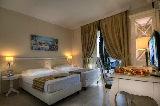 Hotel Excelsior le Terrazze (Garda, Lake Garda, Italy) - Reviews