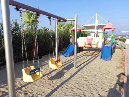 Sentinus Beach Hotel: территория отеля