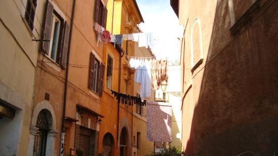 B&B Ventisei Scalini a Trastevere: Panni stesi a Trastevere