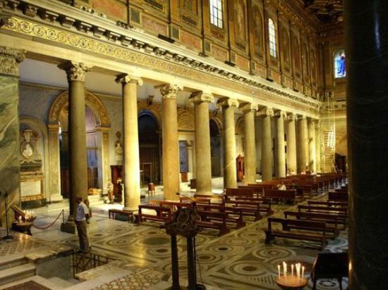 B&B Ventisei Scalini a Trastevere: Basilica Santa Maria in Trastevere