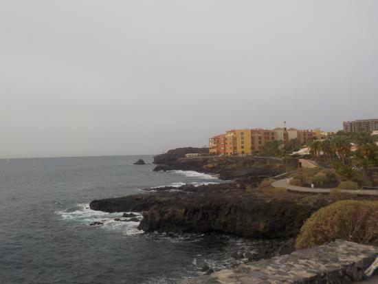 Aparthotel Cordial Golf Plaza: coastal walk along Golf del Sur