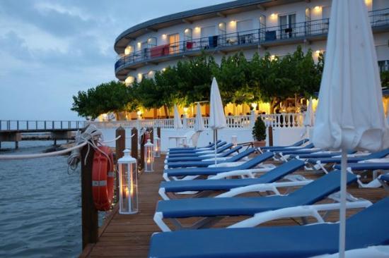 Hotel Juanito Platja: Solarium&terrazas