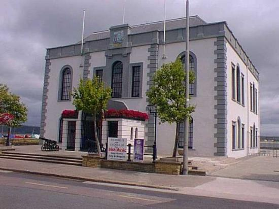 The Mall Arts Centre