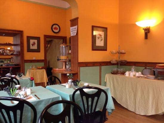 Hotel Ponte Vecchio: Ресторан во время завтрака