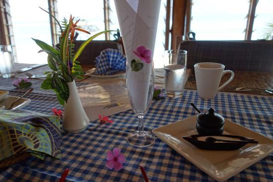 Danforth Yachting: Table beautifully set