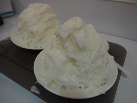 Yu's Almond Tofu - Headquarter: かき氷